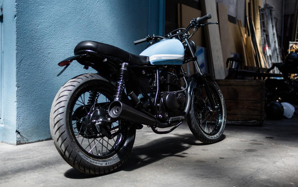 bad winners pr sente une magnifique moto suzuki gn125. Black Bedroom Furniture Sets. Home Design Ideas